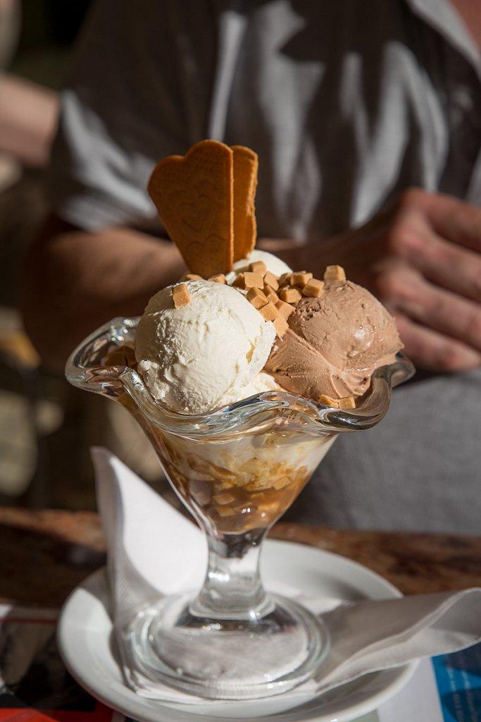 Toffee Ice cream Sundae